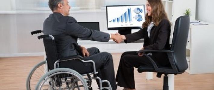 les personnes à mobilité réduite en entreprise