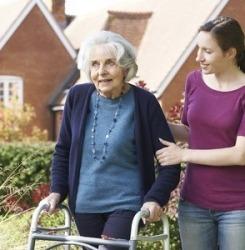 aidant familial personne âgée